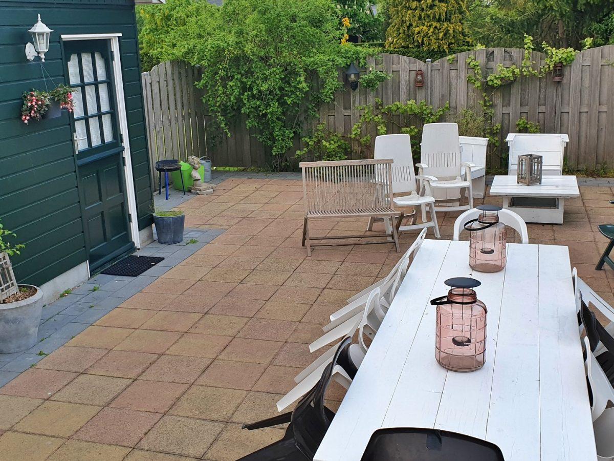 achtertuin terrasje vakantiehuis bedandbreakfast hotel lanormande-23