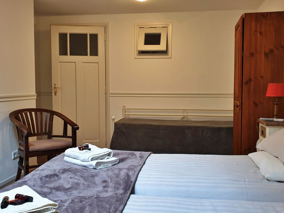 hotelkamer met douche bedandbreakfast hoorn lanormande-13
