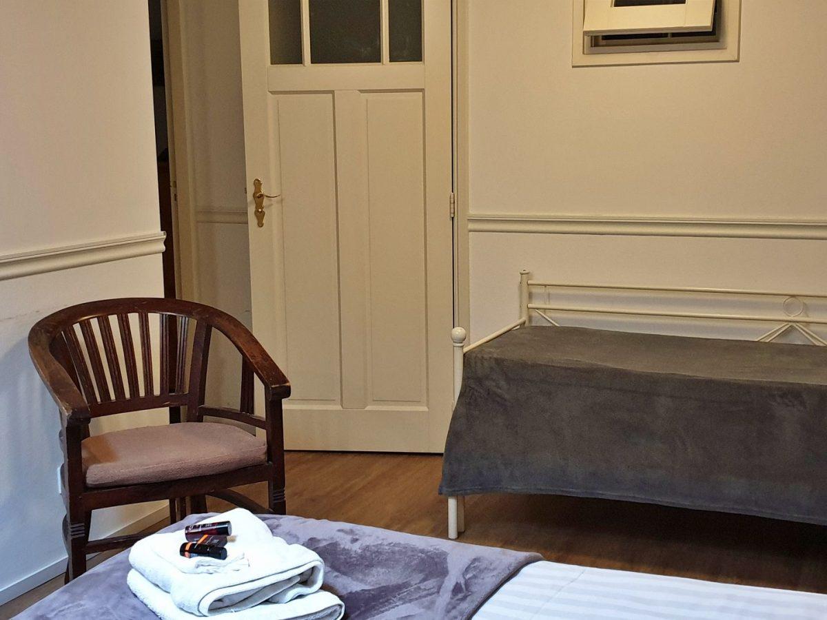 hotelkamer met douche bedandbreakfast hoorn lanormande-15