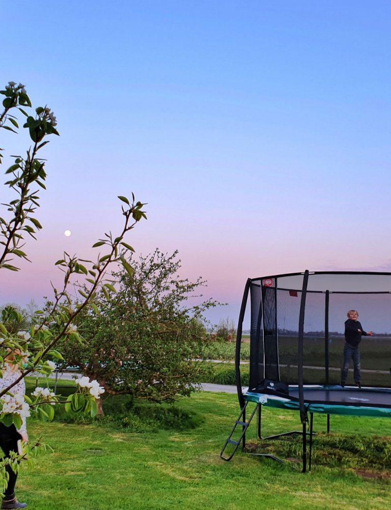 trampoline speeltuin vakantie bed and breakfast hoorn lanormande-03