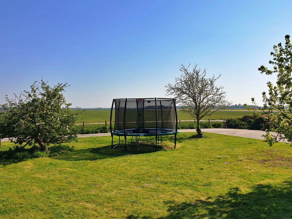 trampoline speeltuin vakantie bed and breakfast hoorn lanormande-08