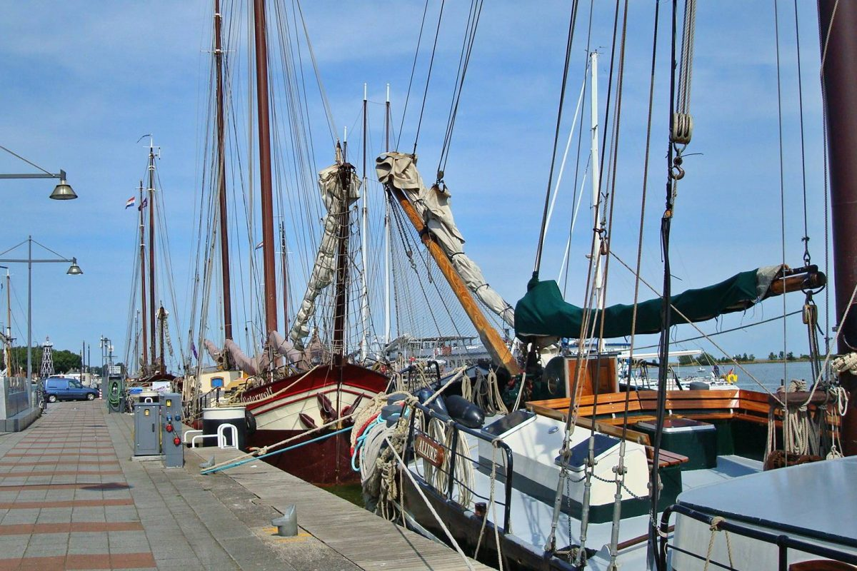 zeilen ijsselmeer enkhuizen haven vakantie in noord holland-02